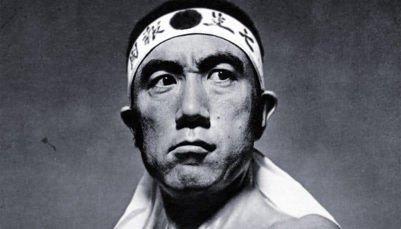 Yukio Mishima: El sacerdote y su amor
